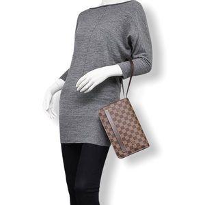 Louis Vuitton Saint Louis Clutch